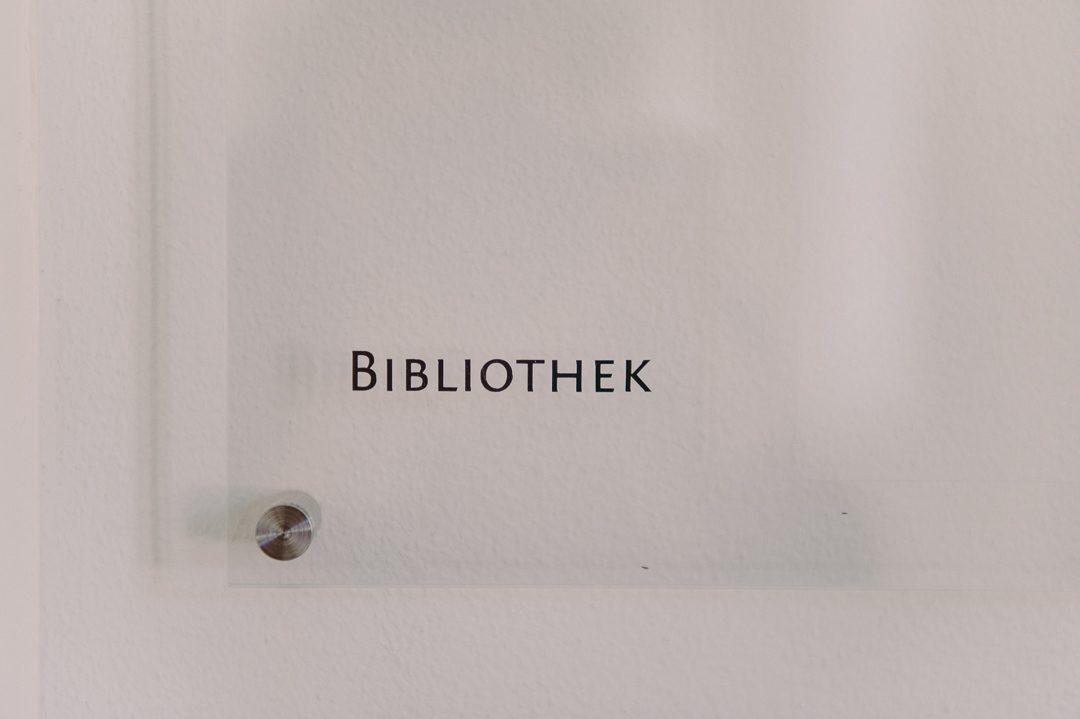 Die Bibliothek im Kloster Holzen Allmannshofen ist ein Standesamt