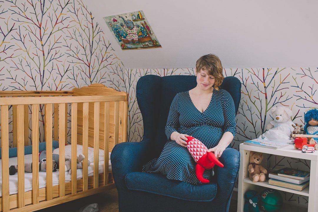 Schwangere Mama beim Fotoshooting in Augsburg