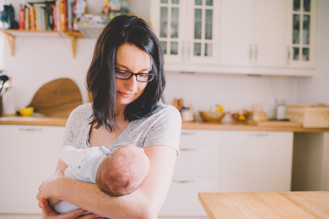 dokumentarische Familienfotos mit Baby