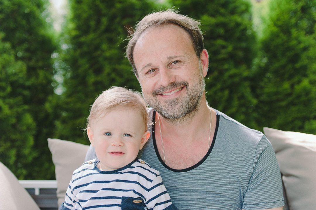 Vater und Sohn auf Familienbildern