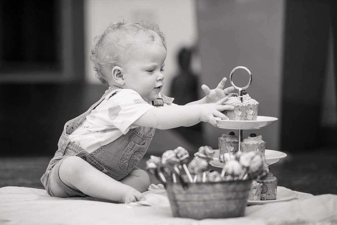 Kinderbild schwarz weiß Geburtstagsparty