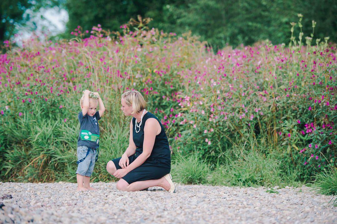 Familienfoto Augsburg Mutter Kind Wertach