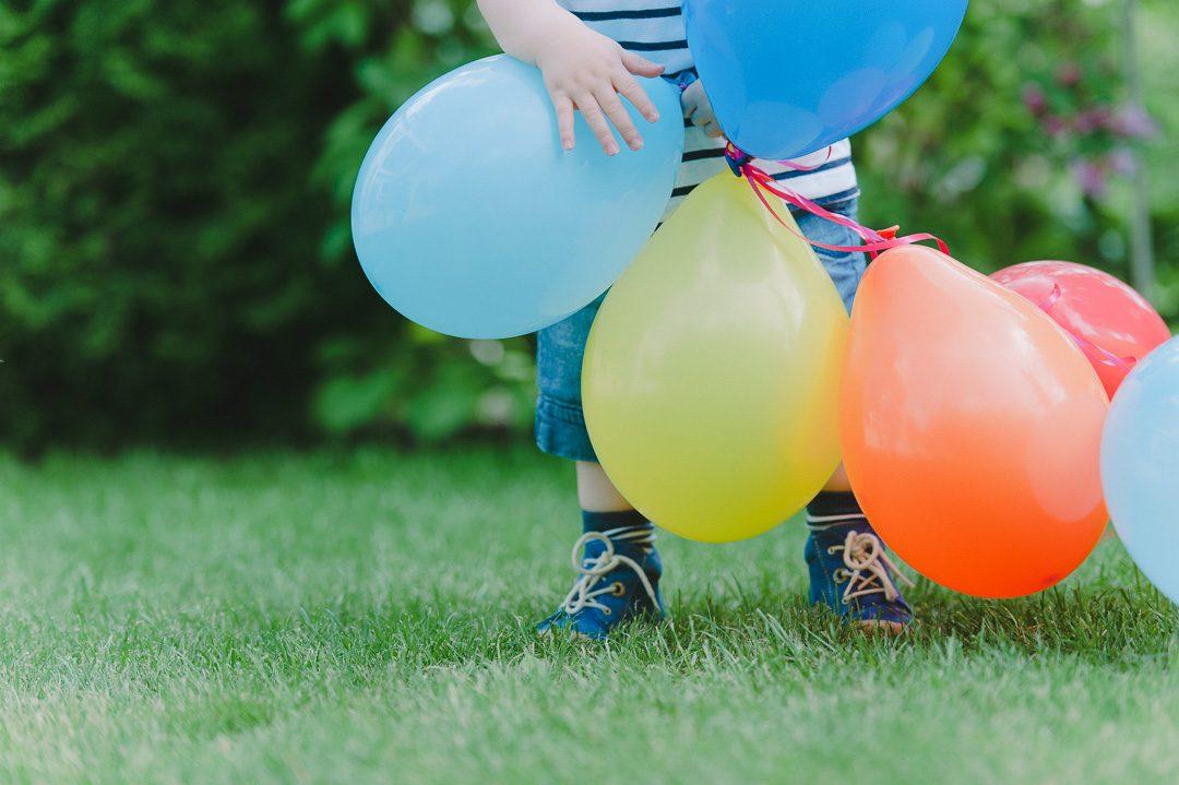 Bunte Luftballons für Kindergeburtstag