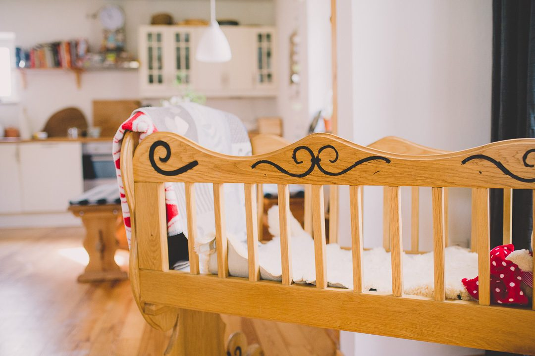 Babywiege Familienerbstück aus Holz