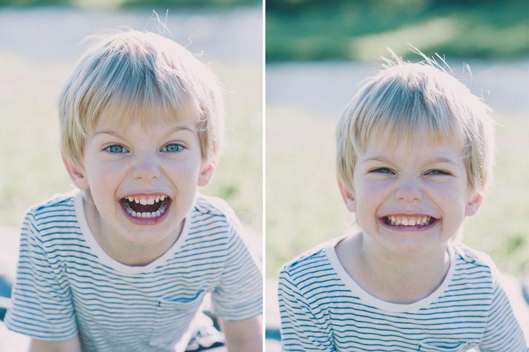 Junge macht Grimassen beim Fotoshooting