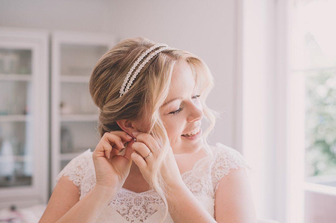 Getting Ready der Braut im eigenen Zuhause