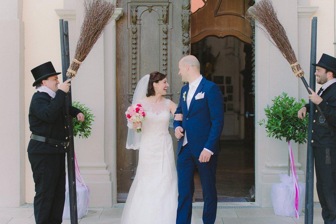 Brautpaar heiratet in Kloster Holzen Allmannshofen