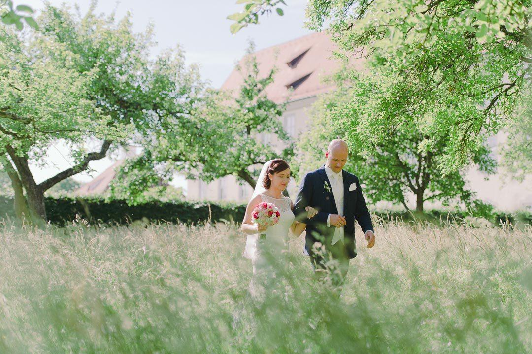 Hochzeitsfotos im Obstgarten Kloster Holzen Allmannshofen
