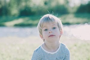 Unwilliges Kind bei Fotoshooting