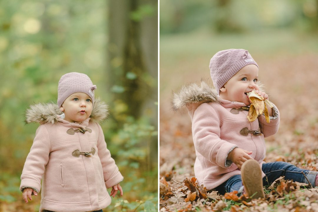 Kleinkind in rosa Mantel und rosa Strickmütze