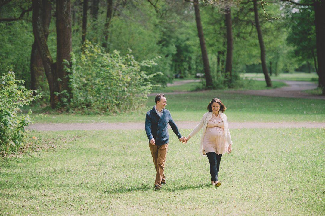 Fotograf für natürliche Schwangerschaftsbilder in Augsburg