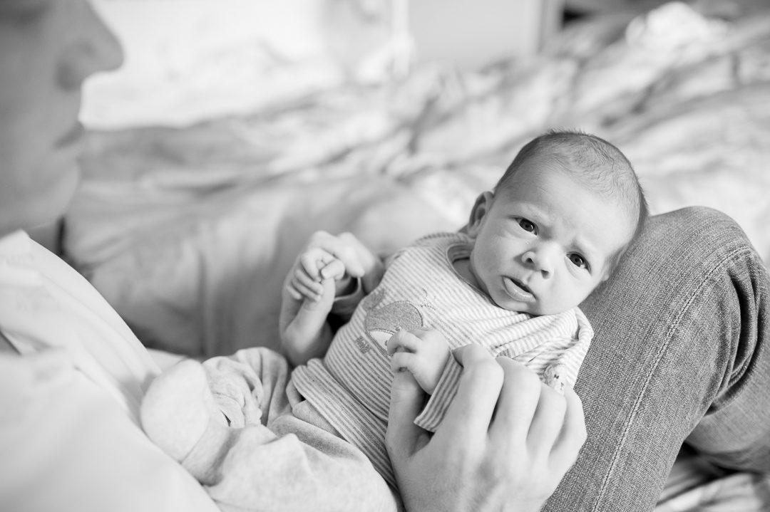 Neugeborenes bei Babyfotos