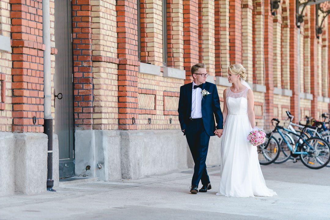 Braut in La Promesse Königsbrunn Brautkleid