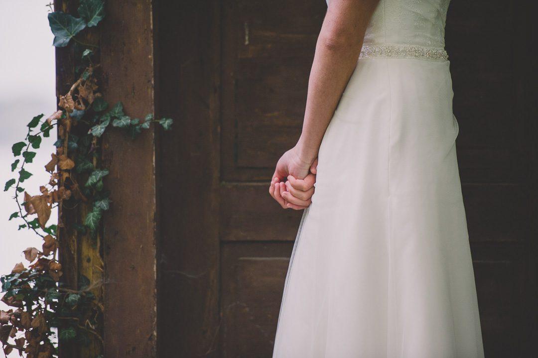 Modernes Brautkleid von La Promesse Königsbrunn
