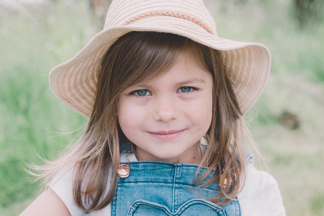 Kinderfoto Mädchen mit Hut