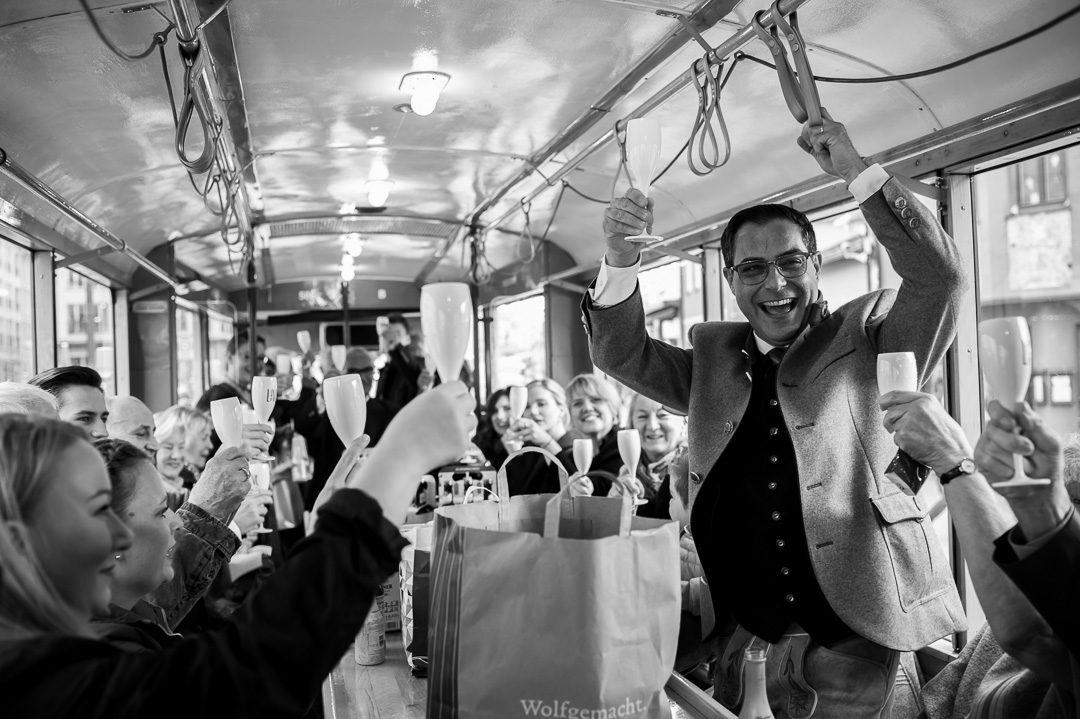 Straßenbahn mieten und feiern