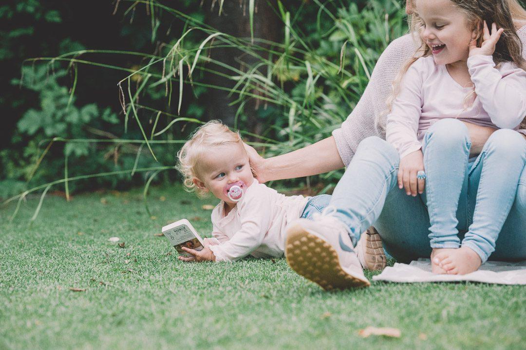 Entspannte Familienfotos mit Fotograf Petsy Fink