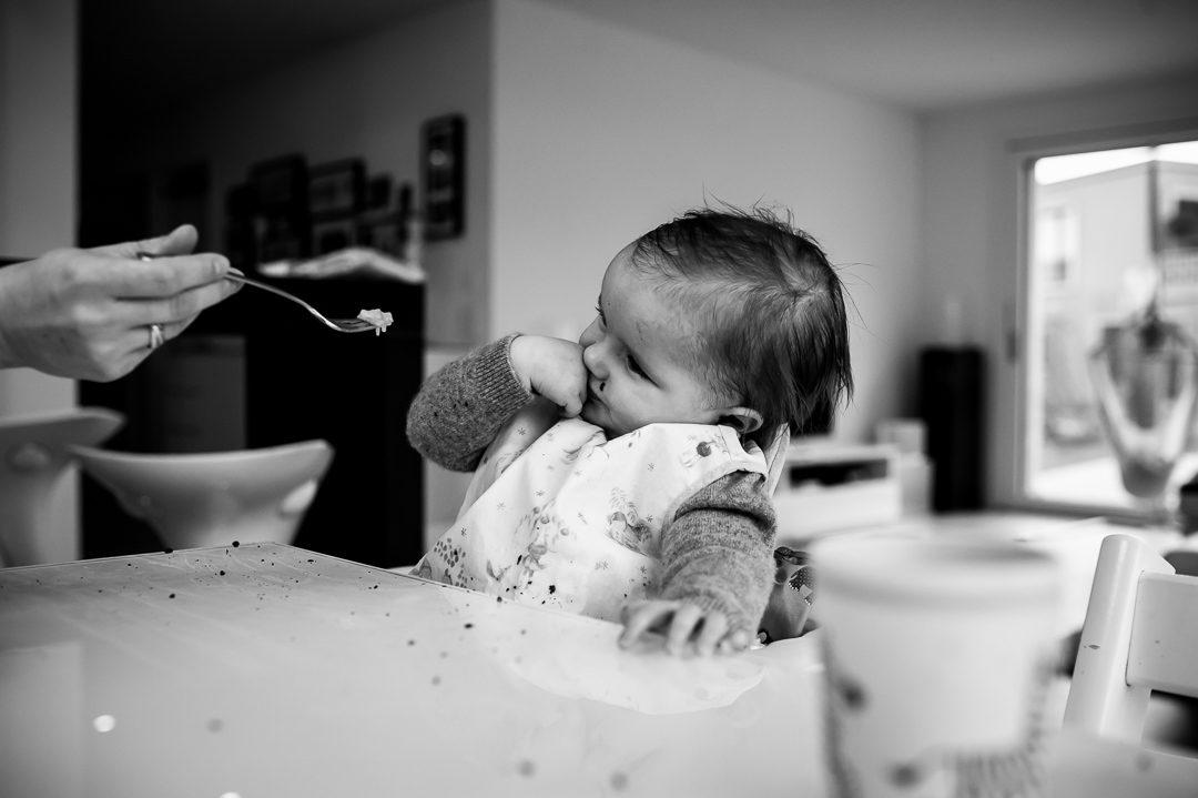 Kleines Mädchen möchte nicht essen