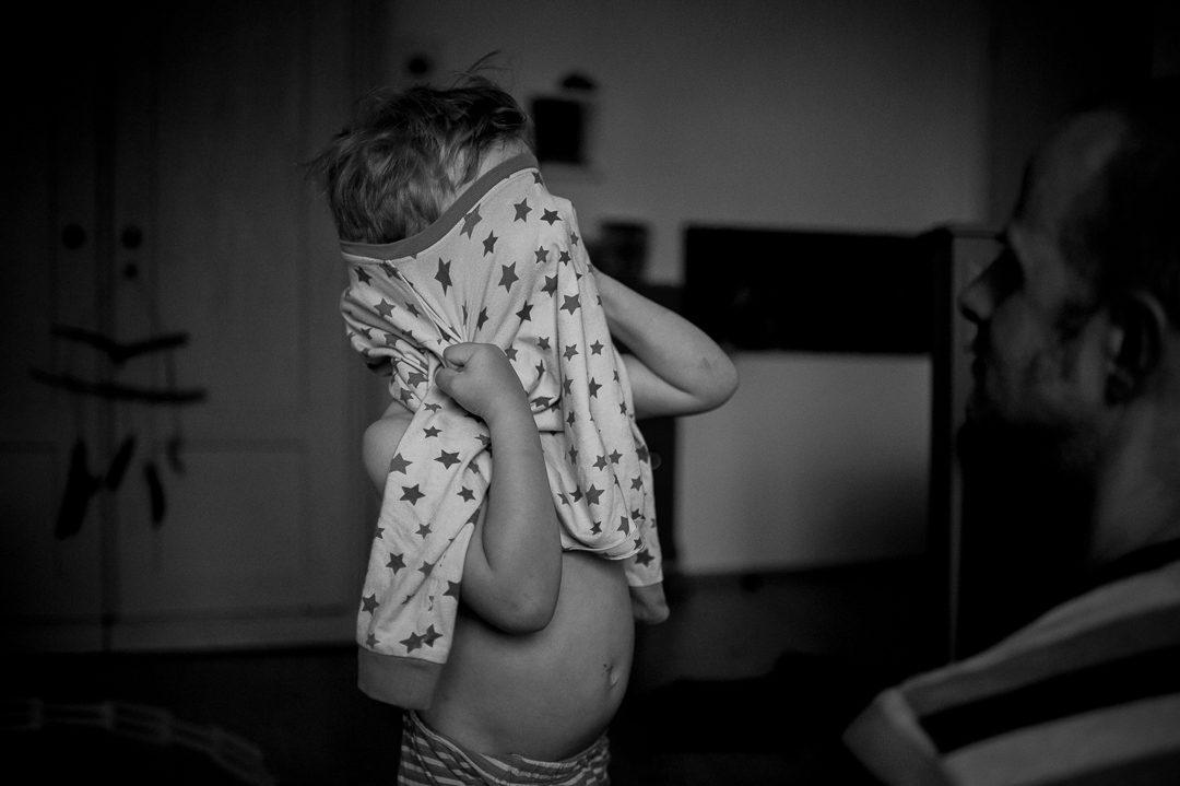 Schlafanzug mit Sternen für Jungen