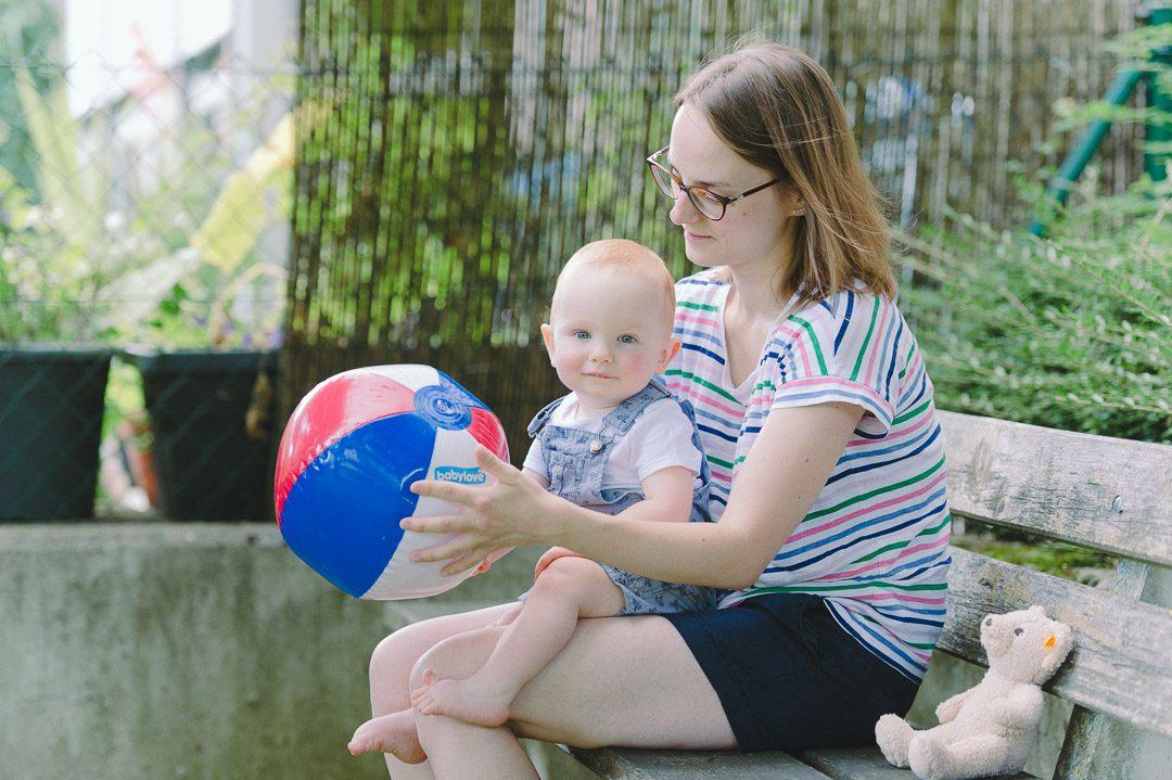Mama Sohn Wasserball
