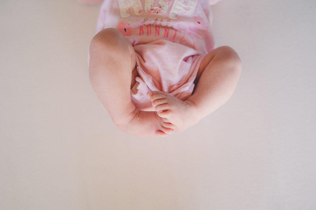 Rosa Strampler für Mädchen